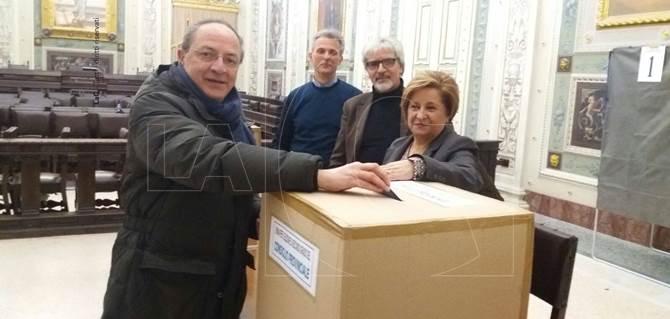 Elezioni a Cosenza, alle urne il candidato alla presidenza Iacucci