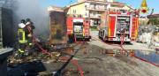 Davoli Marina: a fuoco un container
