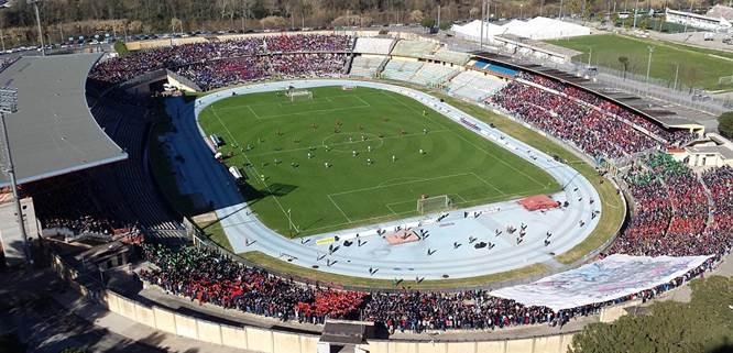 Lo stadio San Vito-Marullla