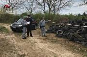 Scoperta una discarica di pneumatici usati nel Catanzarese, due denunce