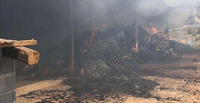 La stalla in fiamme a Limbadi