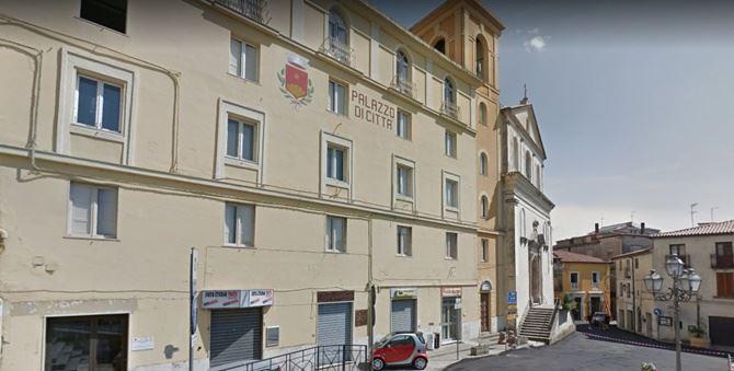 Il palazzo municipale di Rogliano