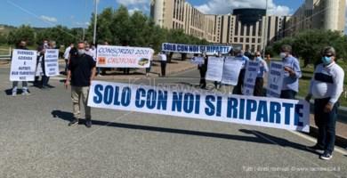 La protesta alla Cittadella regionale