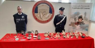 Traffico reperti archeologici in Calabria, recuperati beni per 10 milioni
