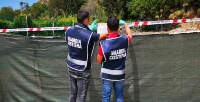 Lavori abusivi sul lungomare di Coccorino, denunciati gli esecutori