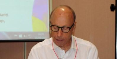 Il professore Mimmo Cersosimo