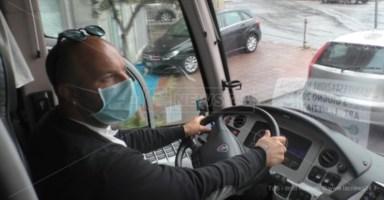 Turismo in crisi, imprenditore costretto a svendere i suoi bus: «Un incubo»