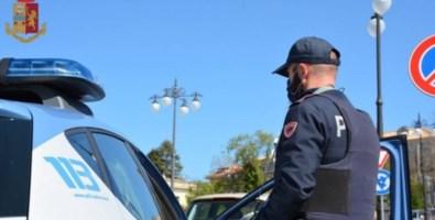 Crotone, minaccia di morte la moglie e aggredisce i poliziotti: arrestato