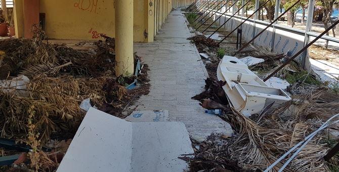 L'immondizia nel Lido comunale di Reggio Calabria