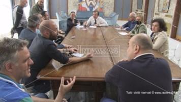 La riunione in Comune con gli esercenti di Piazza Bilotti