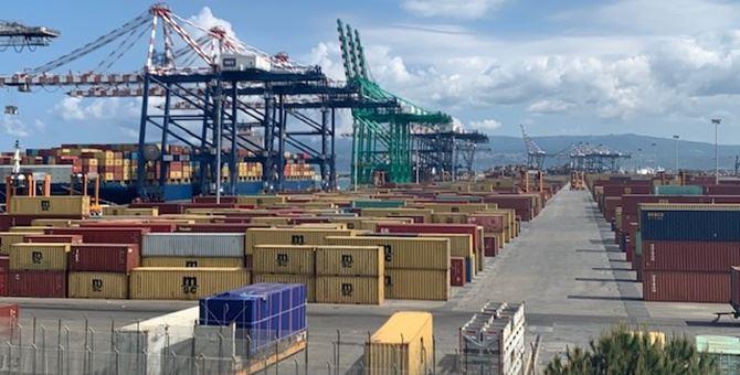 Banchina del porto di Gioia Tauro