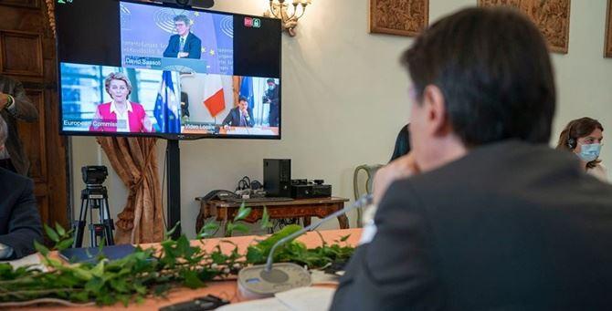 Il premier Conte collegato con i rappresentanti delle Istituzioni europee