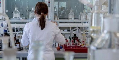 Tumore al seno, scoperto un anticorpo monoclonale che blocca le metastasi alle ossa