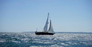 Cirò Marina, gita gratis in barca a vela per i medici e gli infermieri anti-Covid