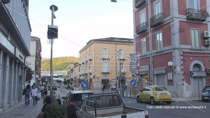 Il varco della Ztl istituita su Via Piave a Cosenza