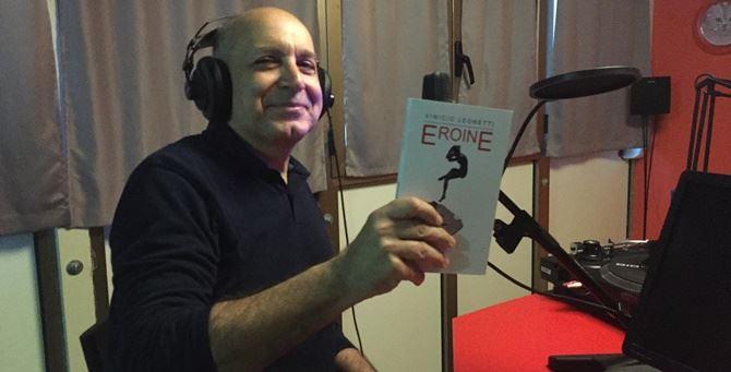 Vinicio Leonetti con il suo libro