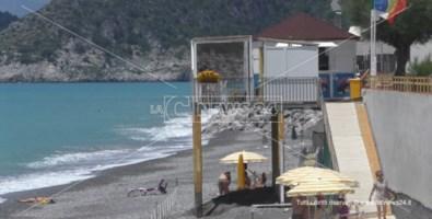 Tortora, le mareggiate cancellano la spiaggia: imprenditori balneari disperati