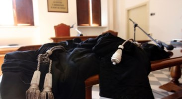 Spaccio nel quartiere rom di Lamezia, passa ai domiciliari Domenico Palmieri