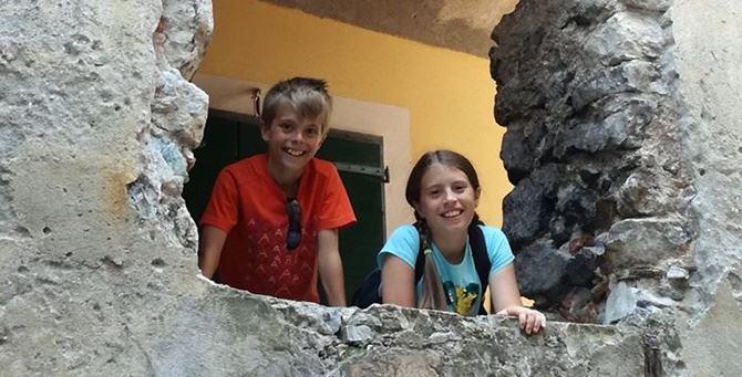 I gemelli di 12 anni uccisi dal padre