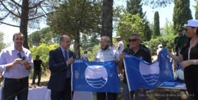 Soverato, cerimonia di consegna delle bandiere blu agli stabilimenti balneari