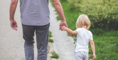 Nonno e nipotina - foto pixabay
