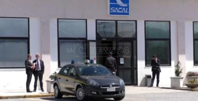 L'entrata degli uffici Sacal di Lamezia Terme