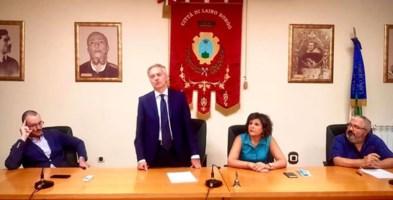 L'assessore regionale Gianluca Gallo insieme al sindaco di Laino Borgo Mariangelina Russo