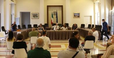 Un momento della riunione per il contratto di governo