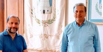 Claudio Zicari, presidente  dell'Associazione Gruppo archeologico del Pollino e il sindaco Domenico Lo Polito