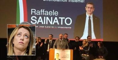 Un appuntamento elettorale di Raffaele Sainato. Nel riquadro, Giorgia Meloni