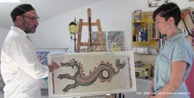 Il drago di Kaulon rivive nell'opera di una giovane mosaicista catanzarese
