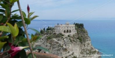 Il santuario di Santa Maria dell'Isola