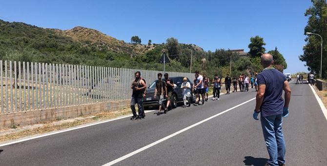 I migranti sbarcati a Ferruzzano