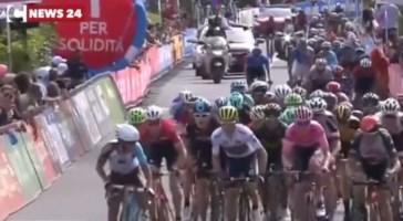 Il Giro d'Italia in Calabria: una storia che emoziona da 90 anni