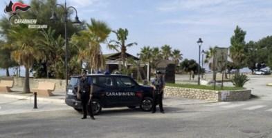 Caulonia, continui atti vandalici all'auto di una donna: arrestato 43enne