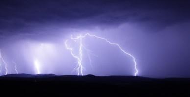 Maltempo in Calabria, temporali e forti venti: domani allerta arancione