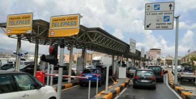 Esodo estivo, in tutta la Calabria traffico in aumento e ancora code a Villa San Giovanni
