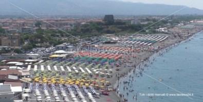 Turismo, nell'alto Tirreno cosentino spiagge prese d'assalto e boom di presenze