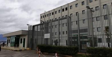 Carcere di Castrovillari, detenuto si toglie la vita in cella: la denuncia del Sappe