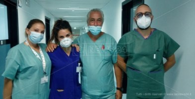 Gli operatori sanitari del reparto Covid di Catanzaro