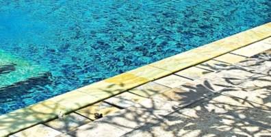 Tragedia in Puglia, bimbo di 20 mesi muore annegato in piscina