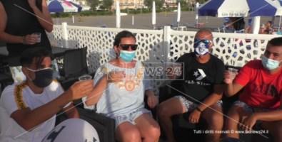 Alcuni clienti del lido Costa Blu di Praia a Mare