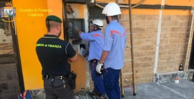 Sibari, furto di energia elettrica: denunciato il titolare di una discoteca