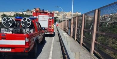 Tenta di gettarsi dal ponte di Catanzaro, salvato dai vigili del fuoco