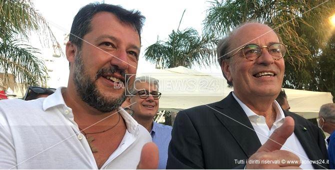 Il leader della lega, Salvini con il candidato Minicuci