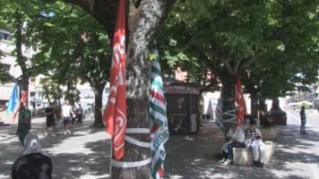Il sit-in di protesta sindacale davanti la Prefettura di Cosenza