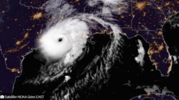 L'uragano Laura visto dal satellite Nooa Goes est