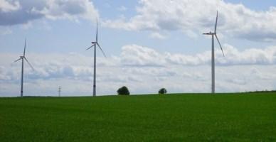 Parchi eolici in Calabria, Parentela (M5s): «La Santelli ne fermi la realizzazione»