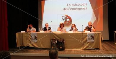 Il tavolo dei relatori della formazione del Soccorso Alpino