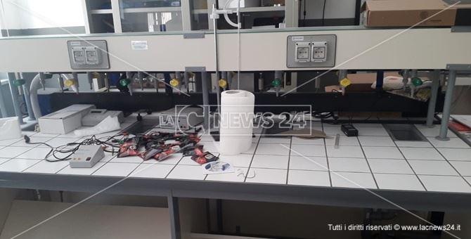 L'aula di informatica dove è stato eseguito il furto